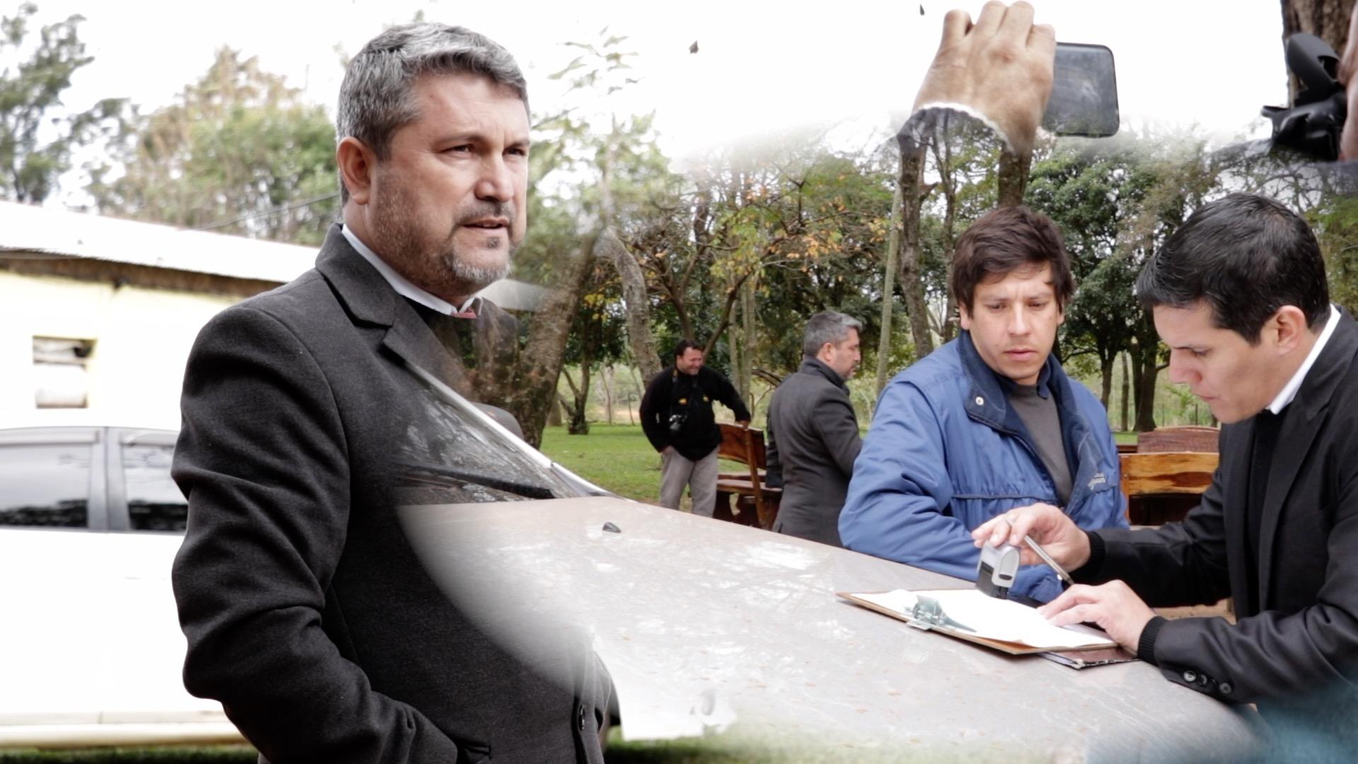 Staatsanwalt und RA Dr. Ariel Sanabria unterfertigt Protokoll
